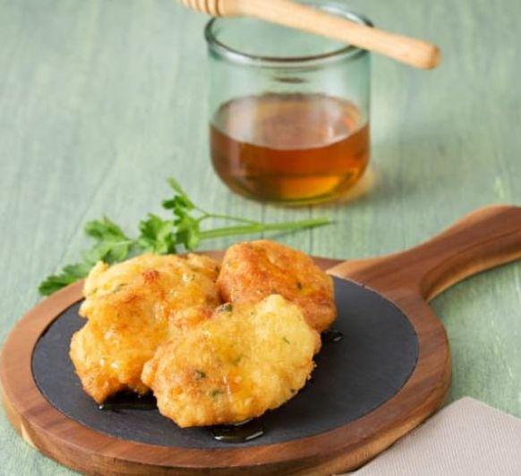 Tortillitas de bacalao con miel en Thermomix®